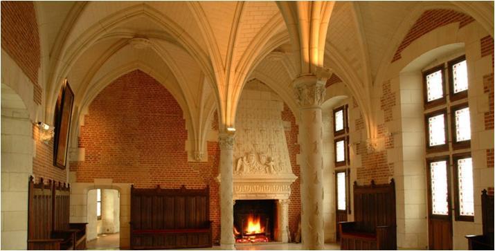 昂不瓦兹城堡内部