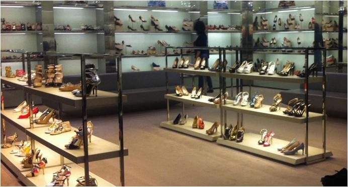 奢侈品鞋店