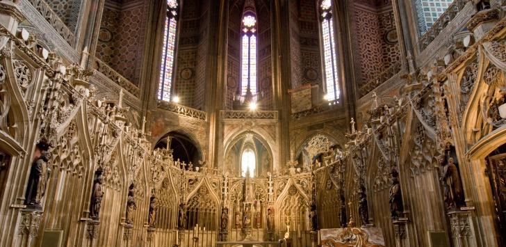 法国阿尔比小镇大教堂