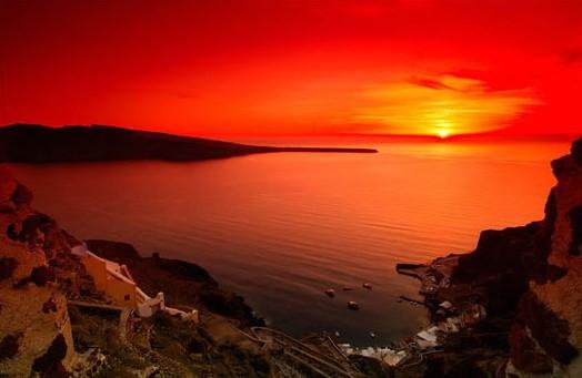 爱琴海圣托里尼岛落日