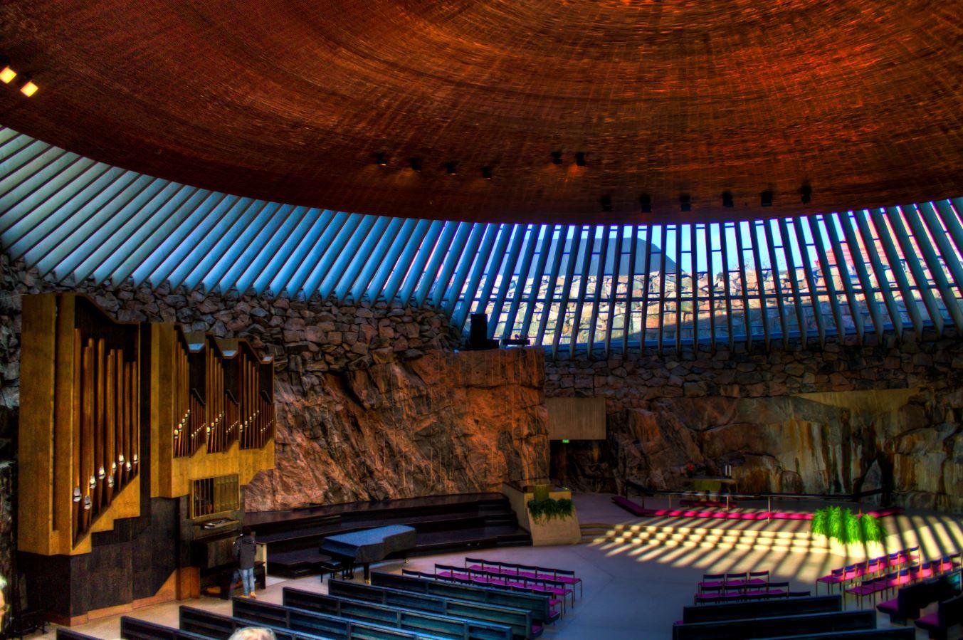 芬兰高端旅游之赫尔辛基岩石教堂