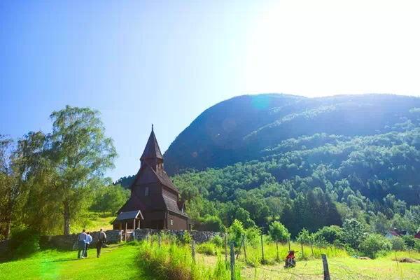 乌尔内斯木板教堂