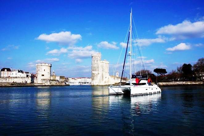 法国拉罗谢尔帆船