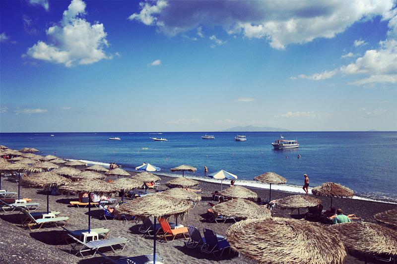 卡马利黑沙滩
