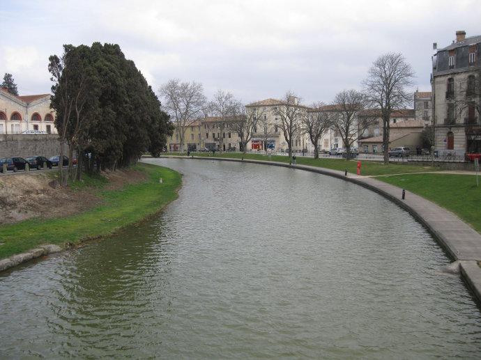 卡尔卡松城堡护城河