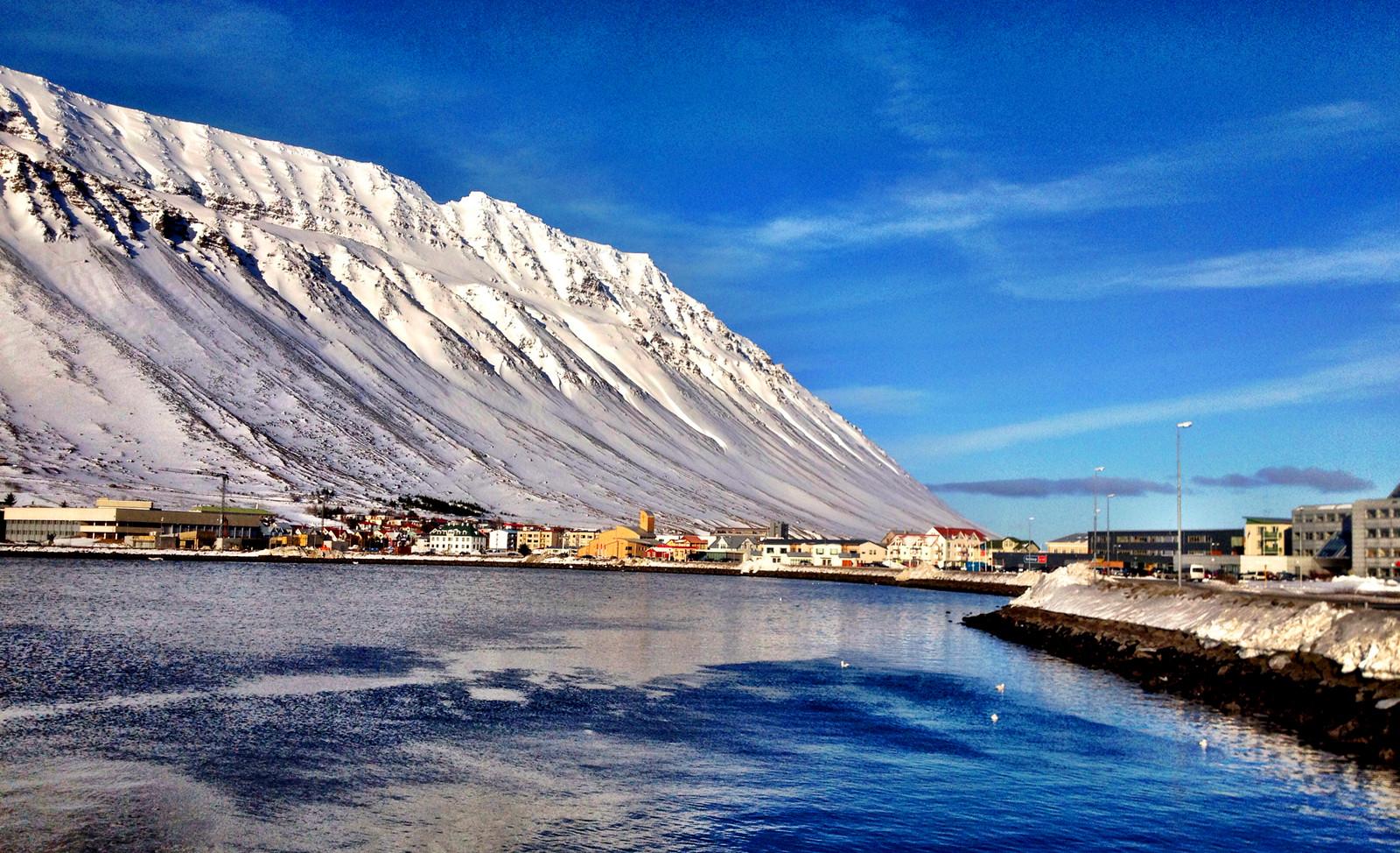 冰岛伊萨菲厄泽1