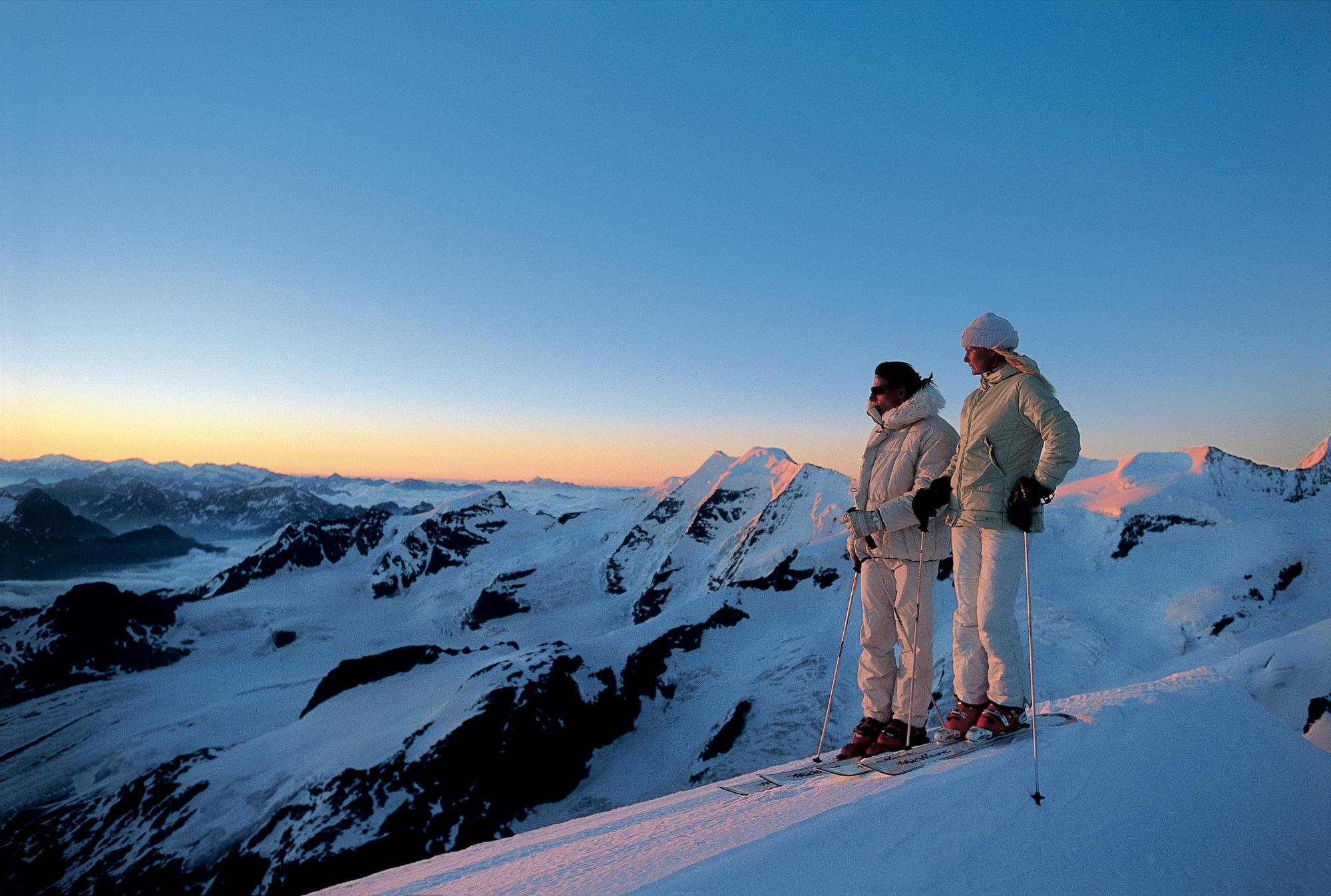 滑雪阿尔卑斯山
