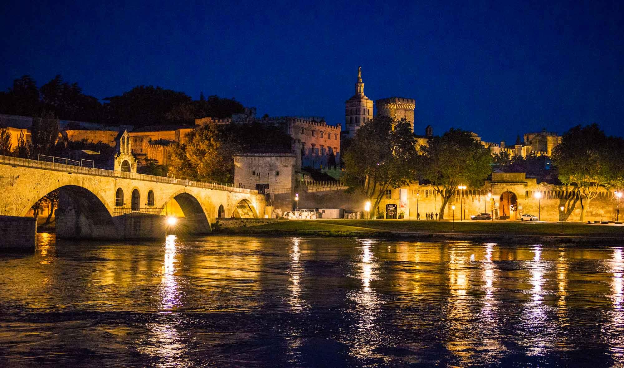 法国阿维尼亚旅游