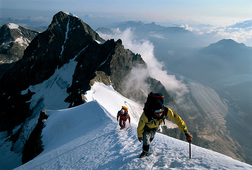 Alpinism, Biancograt, Piz Bernina (4049m), Graubuenden, Grisons, Switzerland